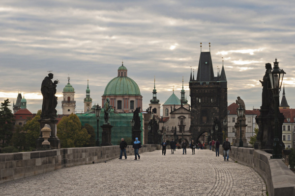 14_other-side-charles-bridge-prague