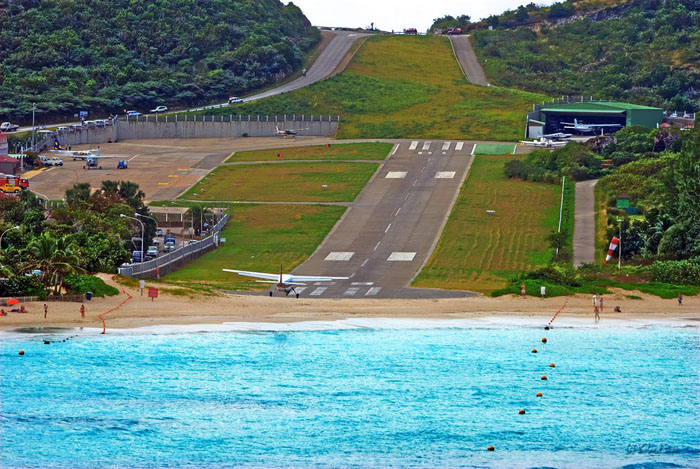 gustaf-iii-airport-st-barthelemy-caribbean