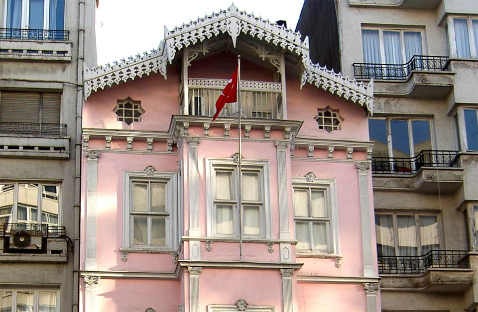 ataturk-muzesi-istanbul