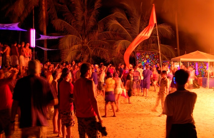 2-Koh-Phangan-full-moon-party-thailand