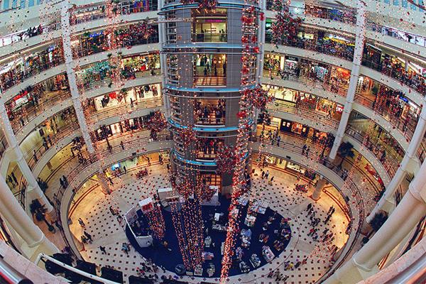 Petronas-Towers-in-the-centre-of-Kuala-Lumpur