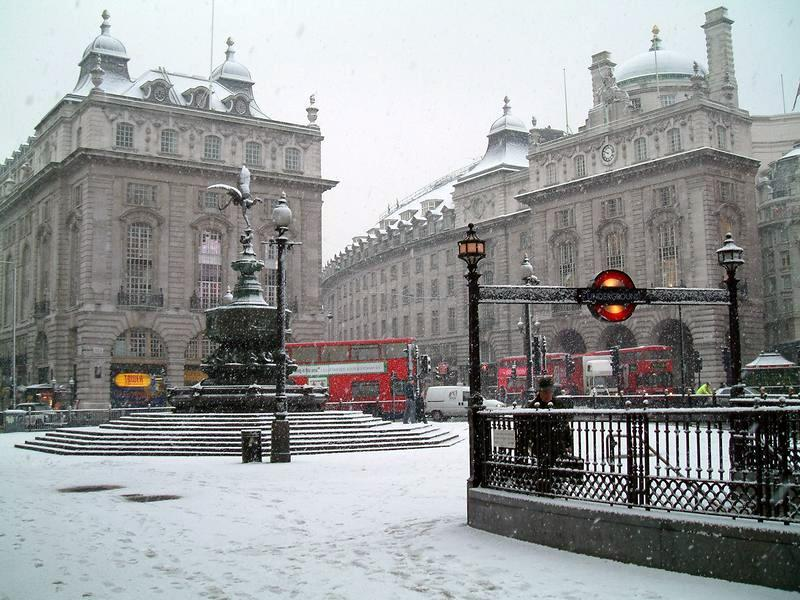 snow-in-london