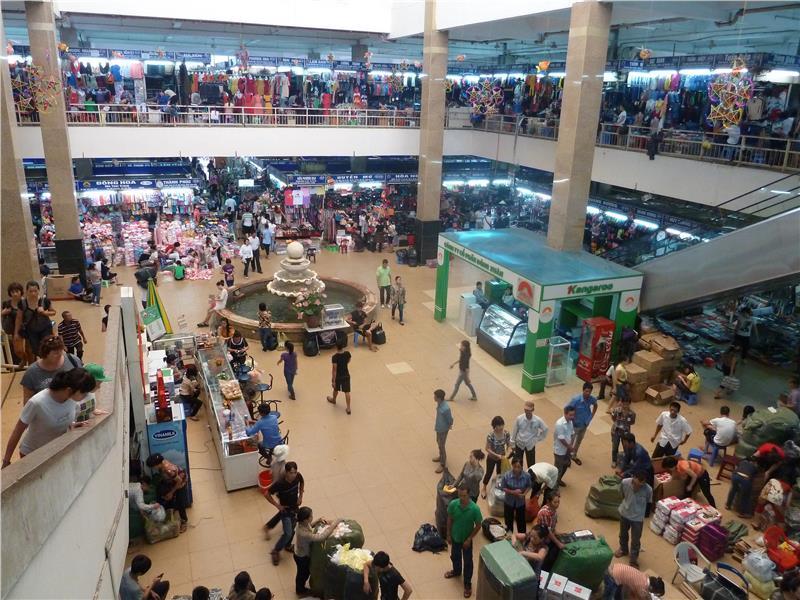 dong-xuan-market-hall