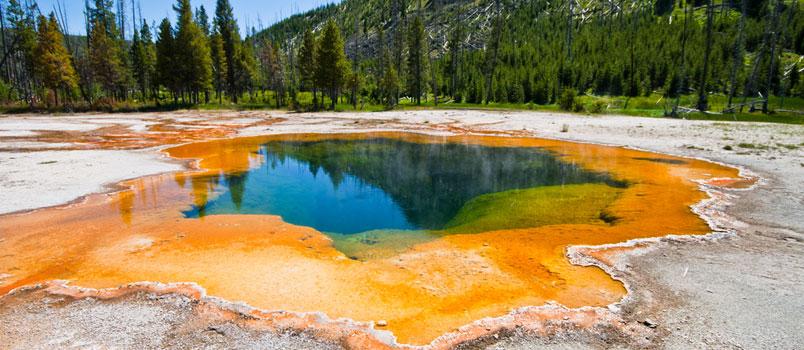 Yellowstone-Emerald-Pool