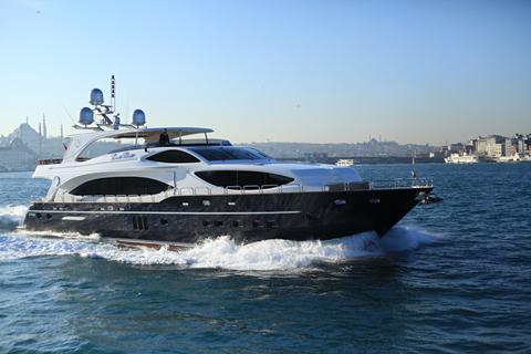 32m-yacht-Istanbul-Cruises