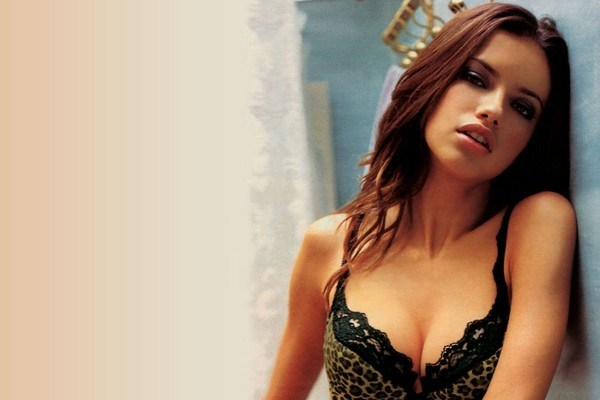 Brazilian-Beauty-Adriana-Lima