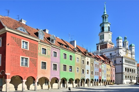 Explore-the-Town-Hall-in-Old-Market-Square-Poznan-in-Poland