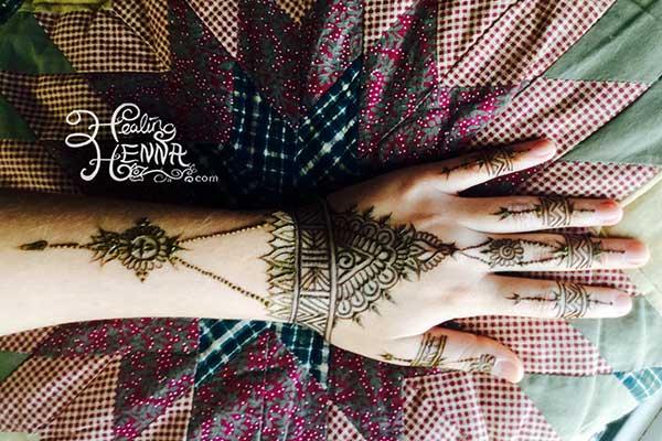 Henna-Egyptian-Jewelry-Hand