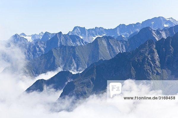 Bergkämme der Zillertaler Alpen