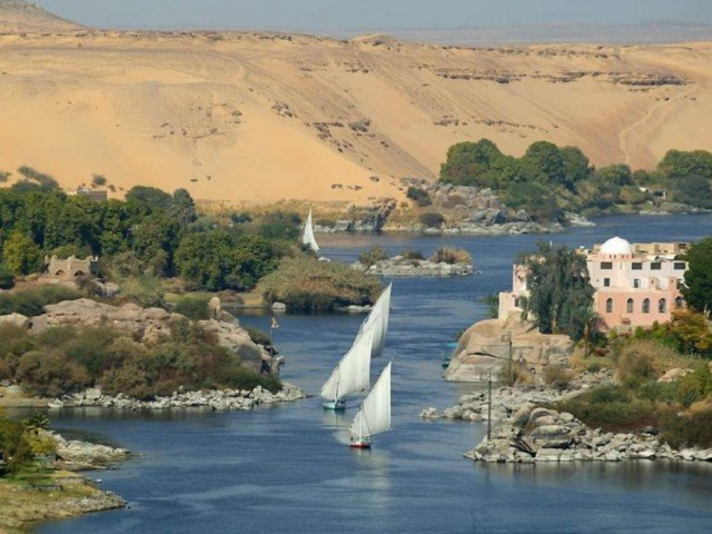 Travel-to-Egypt-River-of-Nile-and-Worlds-of-Wonder-Nile-River