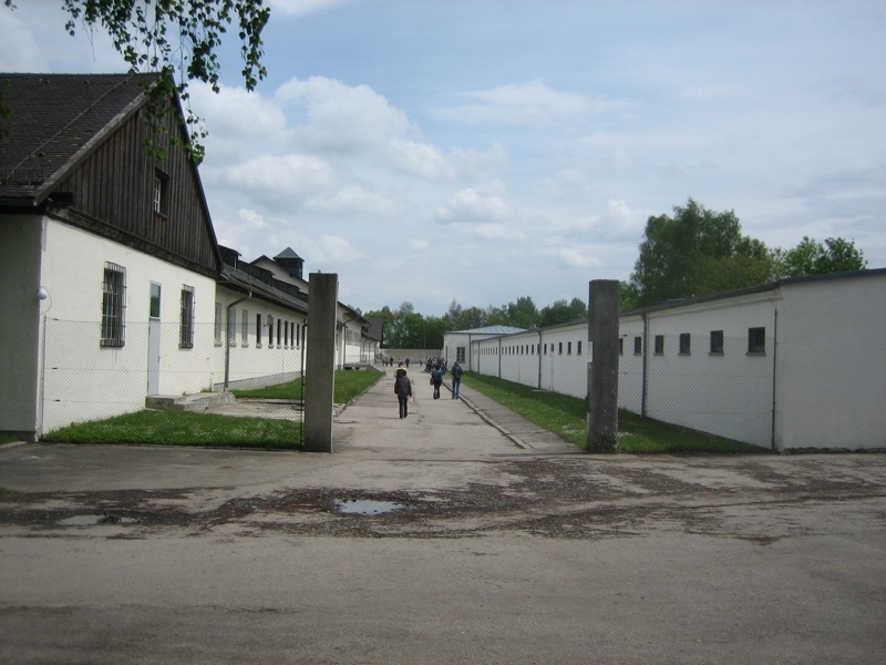 dachau_camp