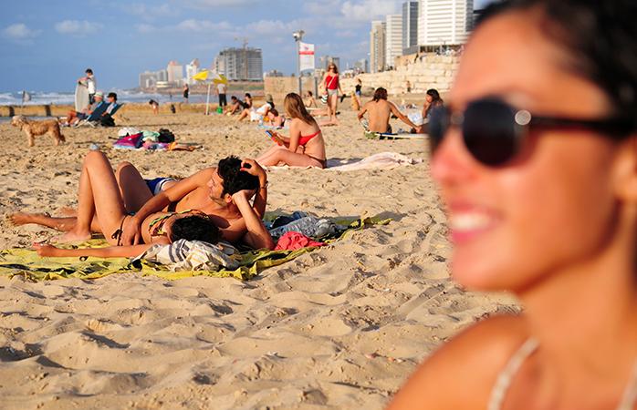 Массовая оргия на пляже в израиле
