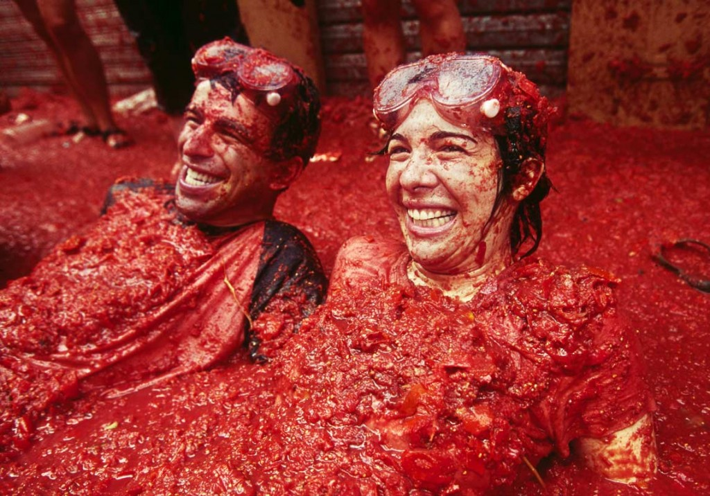 tomatina-festival-spain-bunyol-tomatoe-fight-7